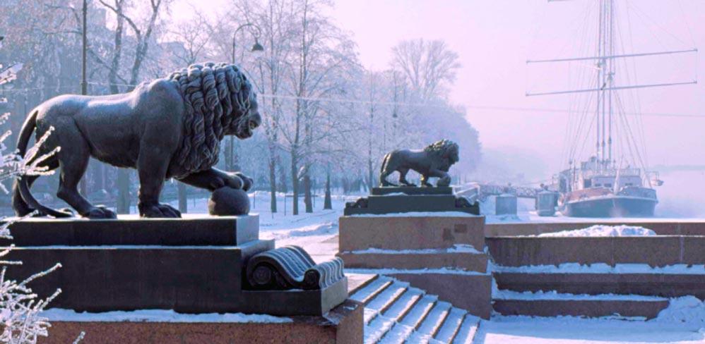 Львы перед Адмиралтейством