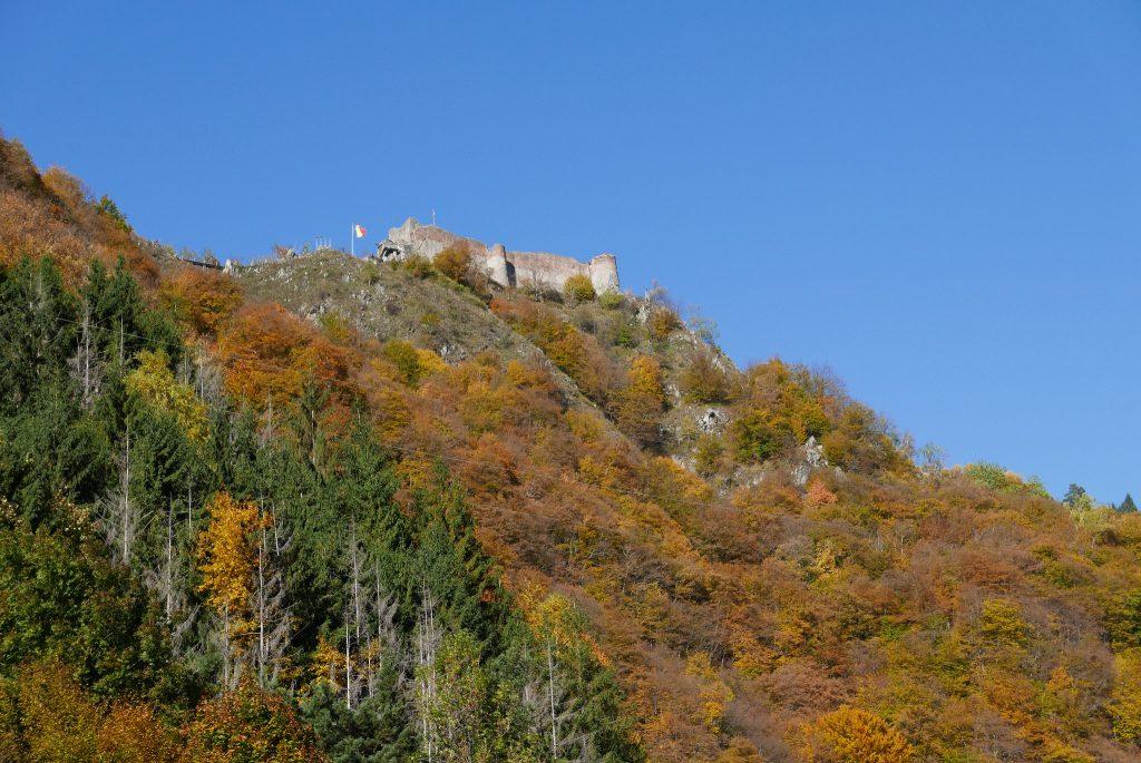 Замки Дракулы. Вид на Поенари в Румынии
